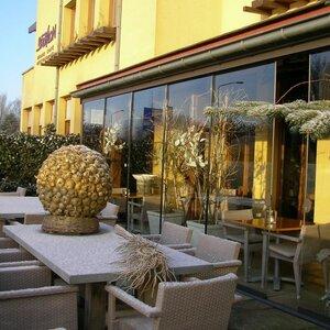 Babylon Hotel image 1