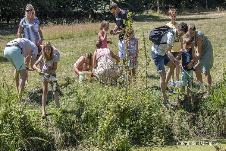 Waterbeestjes vangen in Kruiszwin Anna Paulowna