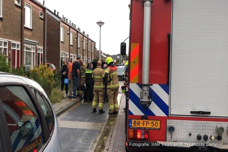 Oplettende buurman blust autobrand in Hippolytushoef