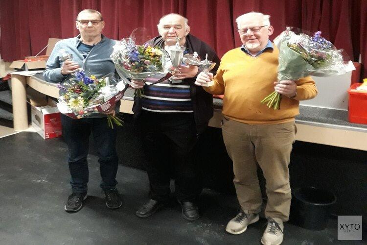 Ruud Adams winnaar gezellig klaverjasweekend
