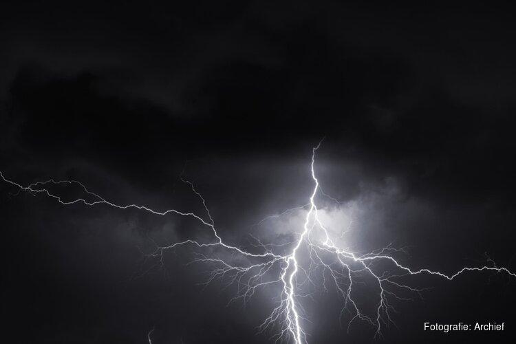 Zware avondspits verwacht vanwege onweersbuien: code geel