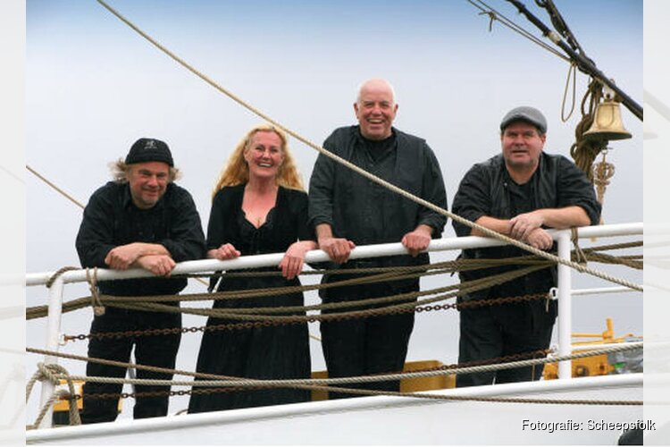 Scheepsfolk op 22 april in De Kapel Andijk