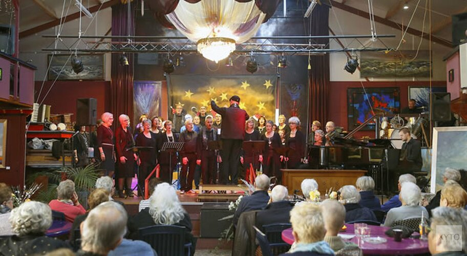 Koor Singing Surrender in de Keesschuur