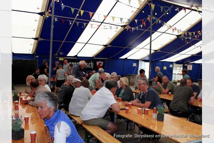 Gezellig 'Westerlands bakkie' tijdens Dorpsfeest