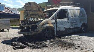 """Geschokte reacties na brandstichting bij familiebedrijf: """"Ik ben alles kwijt"""""""