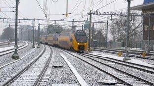 NS waarschuwt: morgen minder treinen door sneeuw